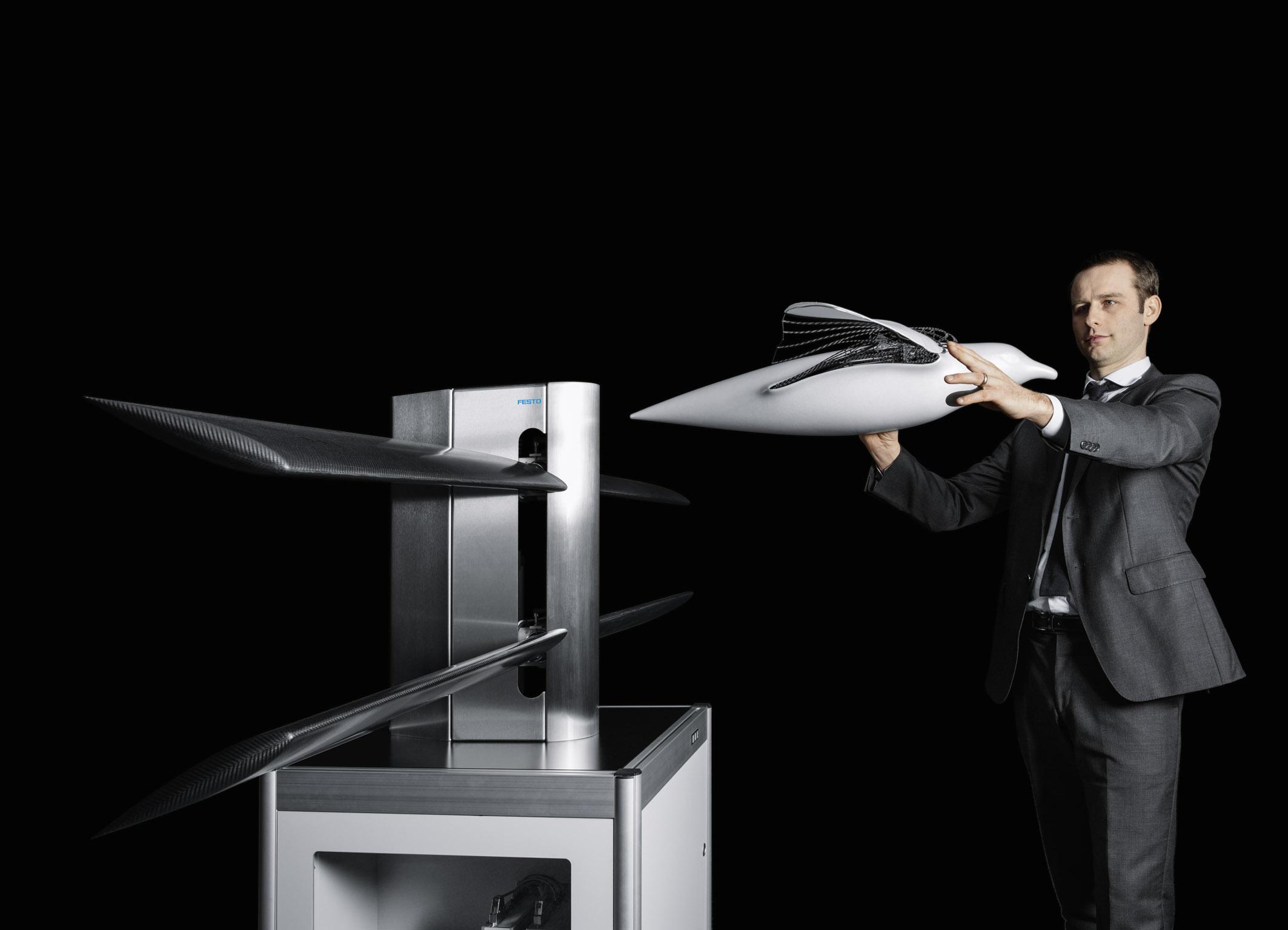 Ветрогенератор на основе технологий крыльев птицы