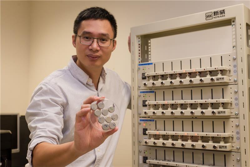 Руководитель ученной группы Чэнь Сяодун