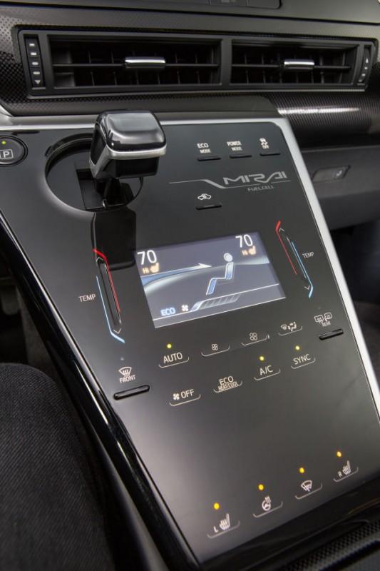 Toyota Mirai 12